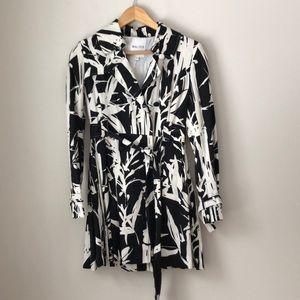 Walter Black & White Belted Linen Trench Coat